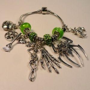 Jewelry - Green Charm Bracelet 13 Spiders Skulls Bats Witch+